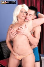 The big-assed Latina HORNY HOUSEWIFE and the big cock