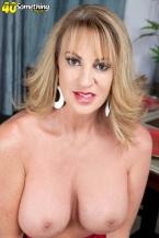 Annette desires to see u jack off